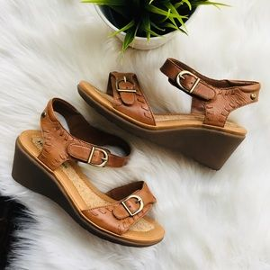 HUSH PUPPIES Leather Wedge Sandals 7 EUC